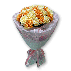 Оранжевые и кремовые розы