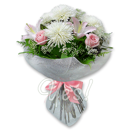 Букет из роз, лилий и хризантем в Варшаве