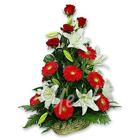 Корзина с розами, герберами, лилиями