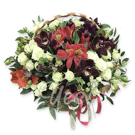 Корзина с розами, лилиями, герберами в Таллинне
