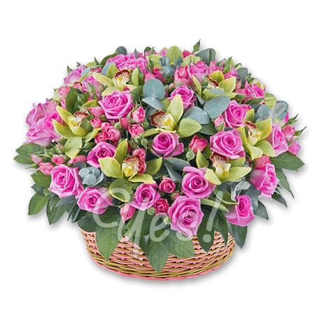 Корзина с розами и орхидеями