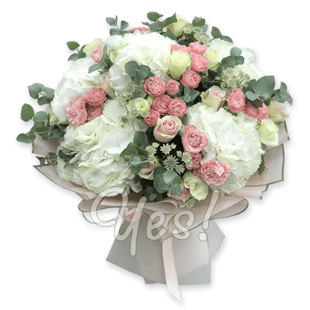Bouquet of hydrangeas and roses