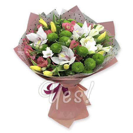 Букет из орхидей, хризантем, тюльпанов