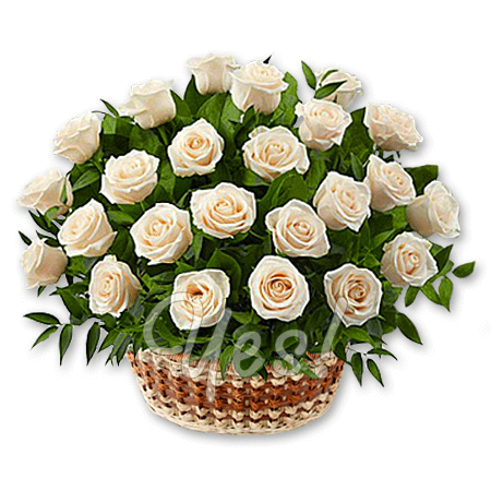 Корзина с белыми розами в Варшаве