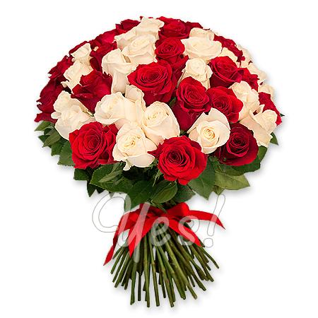 Букет из красных и белых роз (50 см.) в Тбилиси